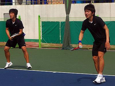テグカソリック大時代のドンフン・ボムジュン。2010アジア競技大会代表選抜。南北問題の緊張が頂点に達した時期の開催であり異様な雰囲気が忘れらない。
