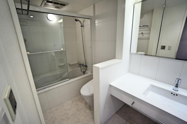 soho_kitaaoyama-104-bathroom-01-sohotokyo
