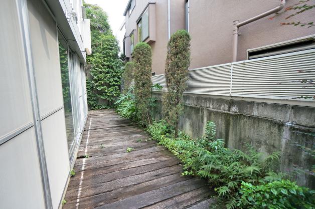 caprice-101-terrace-01-sohotokyo