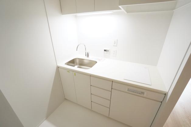 court_modelia_roppongi-402-kitchen-01-sohotokyo