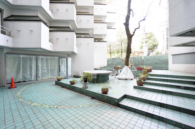 villa_moderna-A406_407-facade-02-sohotokyo