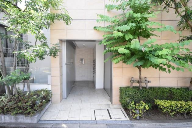 moderia_brut_sangubashi-402-facade-03-sohotokyo