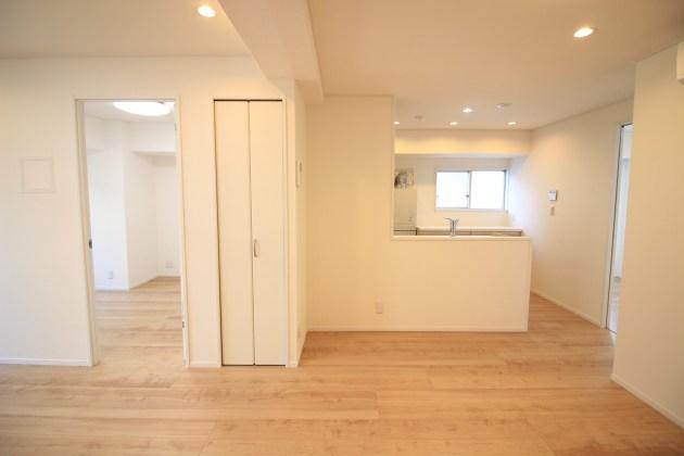 pearlhaitsu_sasazuka-701-livingroom-06-sohotokyo