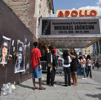 Michael Jackson Tribute at the Apollo, Harlem