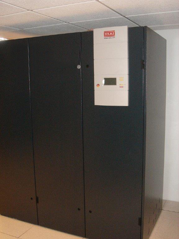armoire de climatisation de salle informatique stulz. Black Bedroom Furniture Sets. Home Design Ideas