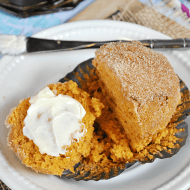 Pumpkin Pudding Muffins | www.somethingswanky.com