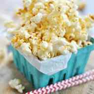 Classic Kettle Corn | www.somethingswanky.com