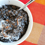 Dark Chocolate Chip Oatmeal | www.somethingswanky.com