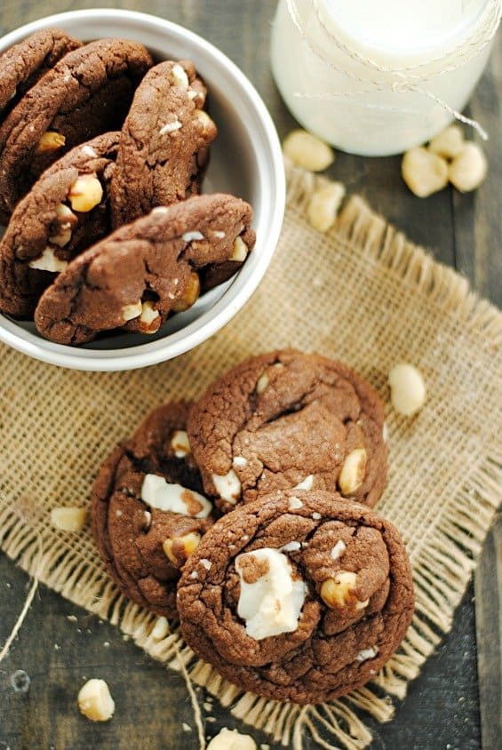 Chocolate White Chocolate Macadamia Nut Cookies | www.somethingswanky.com