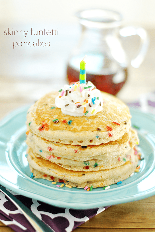 Skinny Funfetti Buttermilk Pancakes are fluffy, taste like cake, and ...