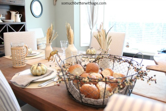 Fall table www.somuchbetterwithage.com
