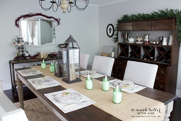 Christmas tablescape by somuchbetterwithage.com
