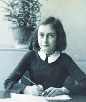 Anne-Frank-Ausstellung in Selbitz mit präventiver Jugendarbeit | Sonntagsblatt - 360 Grad ...