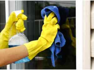 How to Clean Windows with Vinegar l www.sophisticatededge.com