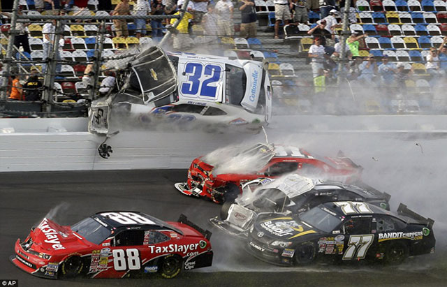 Accidente-NASCAR-Daytona-4