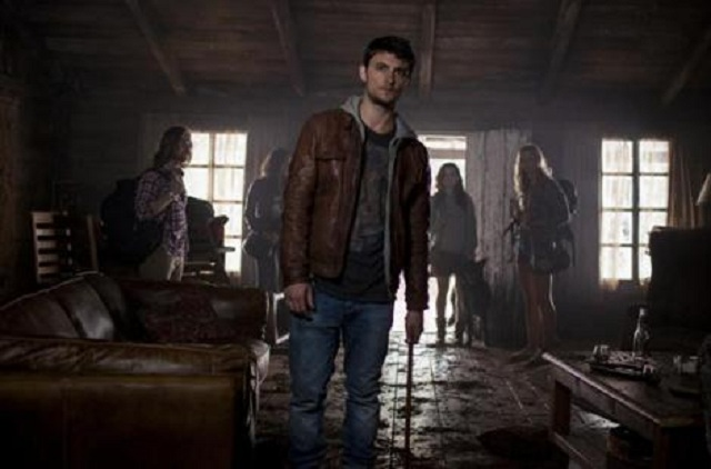 new-images-and-poster-for-evil-dead-129019-a-1361777641-470-75