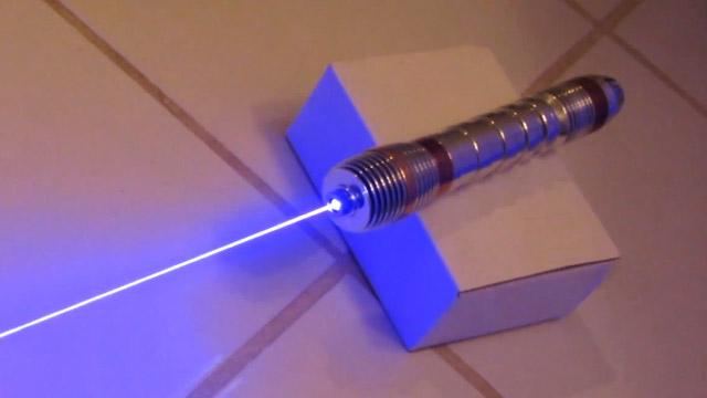 Espada-laser-de-verdad