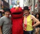 Magneto, el Profesor Xavier y... ¿Elmo?