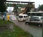 Se inunda la Calzada Ignacio Zaragoza