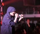 Ruido, caos y baile: Reseña del concierto de Crystal Castles
