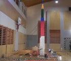 """Y así cae """"la torre de fichas de domino más alta del mundo"""""""