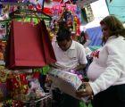 Calculan comercios que el capitalino gastará más de 3 mil pesos en esta temporada navideña