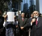 Denuncian a Peña Nieto por traidor a la patria