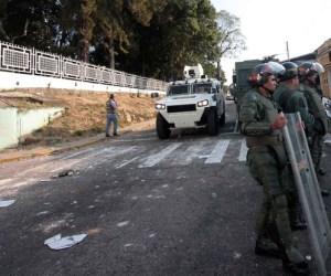 enfrentamientos-estudiantes-Foto-Hector-Yepes_NACIMA20140206_0163_3