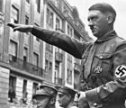 """#Epicfail: Político europeo grita """"¡Heil Hitler!"""" en aeropuerto alemán"""