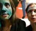 Video: hombres atacan a las integrantes de las Pussy Riot (actualización)