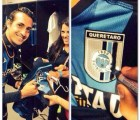 Jugadores del Querétaro le cambiaron los colores al escudo