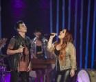 """Kinky presenta su versión Unplugged de """"A dónde van los muertos"""", con Carla Morrison"""