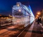 Las serie de luces que parece máquina del tiempo