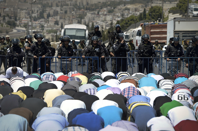Israeli restricts access into Al-Aqsa Mosque