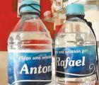 También ahí búsquense: iglesia vende agua bendita en botellas con nombre