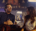 "Haim y Jon Heder arman una brutal pelea en el video ""Old 45's"" de Chromeo"