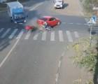 Otra de Rusia: ciclista salva la vida dos veces consecutivas
