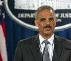 Renuncia Eric Holder, el fiscal de Estados Unidos que facilitó armas a los narcos mexicanos