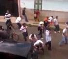 En Michoacán, policías dispersan  manifestación a tiros