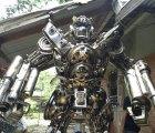 ¡Nerdgasmo! Transformers de tamaño real y hechos con autos reales