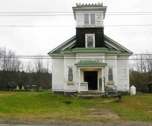 ¿Buscando casa? ¿Qué tal esta espaciosa... iglesia?