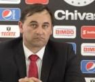 OFICIAL: Carlos Bustos ya no es DT de Chivas