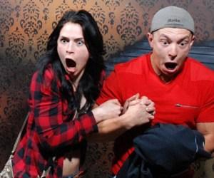 Galería: Así reacciona la gente al entrar a una casa embrujada