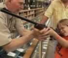 En Nebraska se le permite a los estudiantes posar con armas