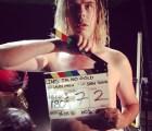 "Angus Andrew es el hombre de las mil caras en el video de Liars: ""I'm No Gold"""