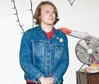 "Ty Segall tiene una banda de fantasmas en el video de ""The Singer"""