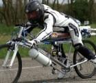 Video: Una bicicleta contra un Ferrari