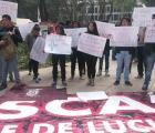 Politécnicos protestan en la PGR por muerte de alumna