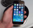 Y en la nota idiota del día: Metió su iPhone 6 en Coca Cola hirviendo