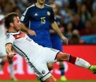 Mario Götze subastará el tenis con el que metió gol en la final de Brasil 2014